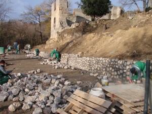 támfalépítés2