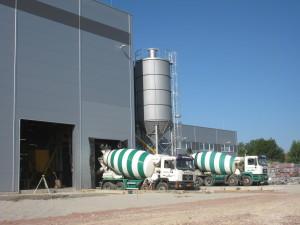 mixeres betonszállítás