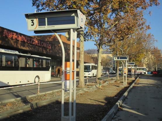 Busz15
